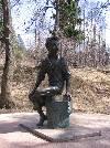 Памятник молодому А.С. Пушкину в музее-запведнике Захарово - Большие Вяземы
